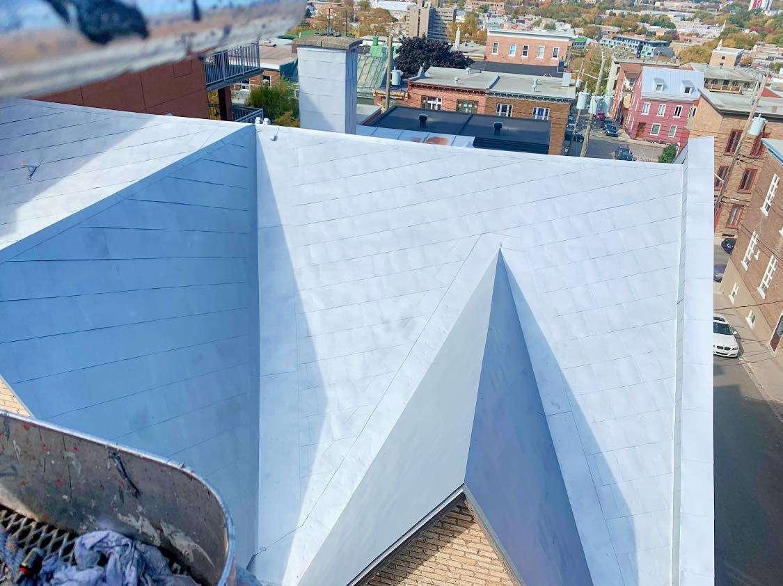 toiture-ancestrale-Vieux-Quebec-toitures-urbi-vue-haut